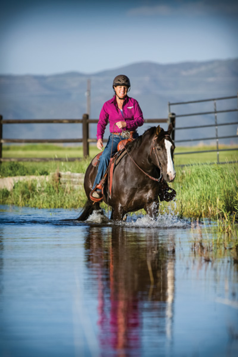 Learn how to fit your saddle to your horse to keep him pain free and ready to go with these guidelines from top trainer/clinician Julie  Goodnight.